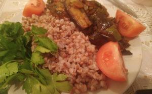 Вкусная гречка с овощами